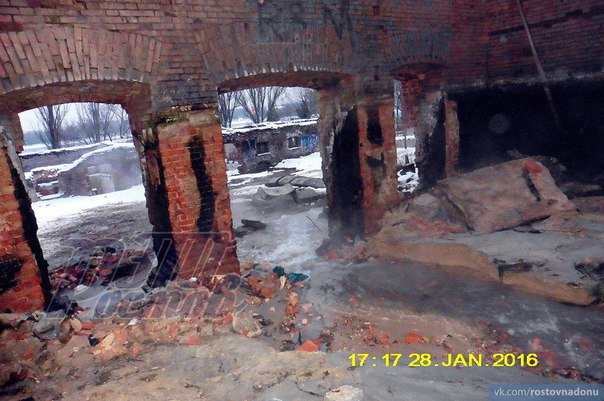 На Парамоновских складах снесли дамбу и почти осушили бассейн (фото) - фото 3