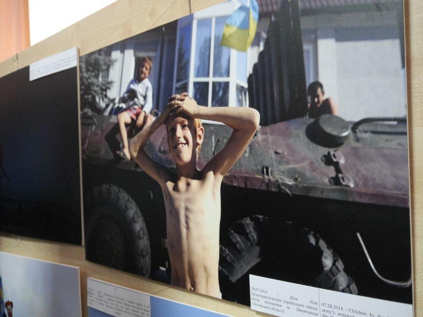 Фотовиставку Віктора Гурняка «Війна в моїй країні» відкрили у Тернополі (ФОТО) (фото) - фото 1