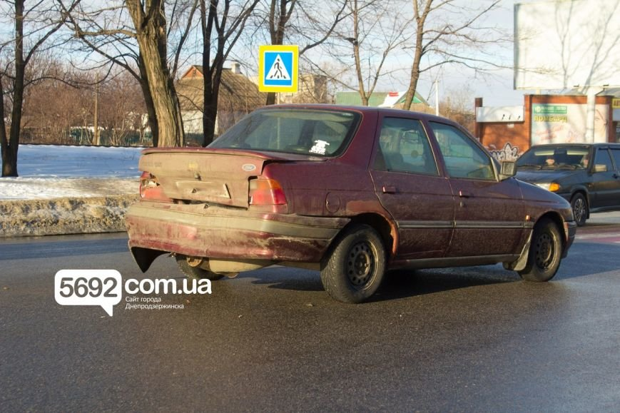 В Днепродзержинске в следствие ДТП чуть не пострадал пешеход (фото) - фото 2