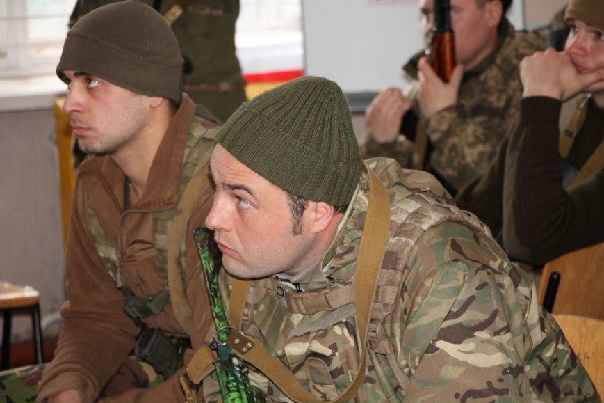 В Николаев приехали британские инструкторы обучать морпехов (ФОТО) (фото) - фото 1