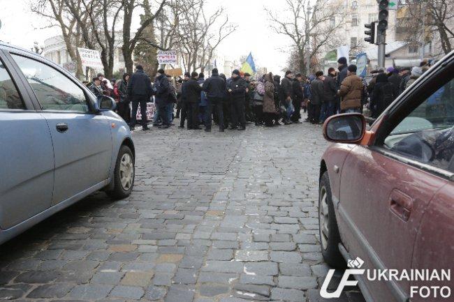 В Киеве митингующие ПТУшники перекрыли Грушевского (ФОТО, ВИДЕО) (фото) - фото 1