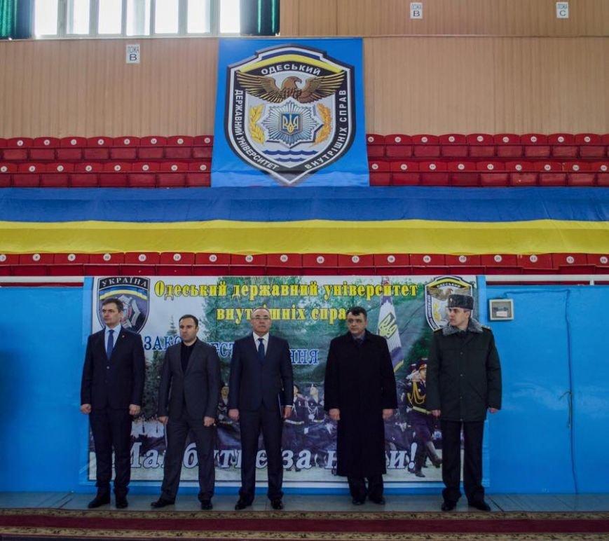 8de4f56331d052637ae43bae2984488b Лорткипанидзе принял присягу у новых полицейских Одессы
