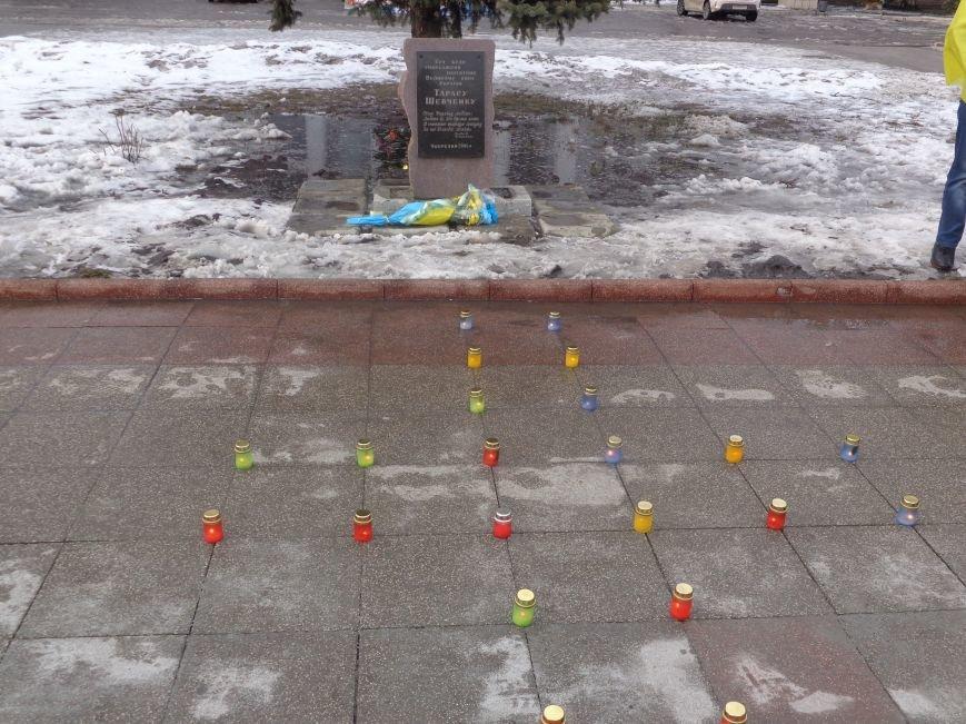 «…Лицарство Крут, нам вас не забути…» - в Красноармейском историческом музее почтили память Героев Крут (фото) - фото 28