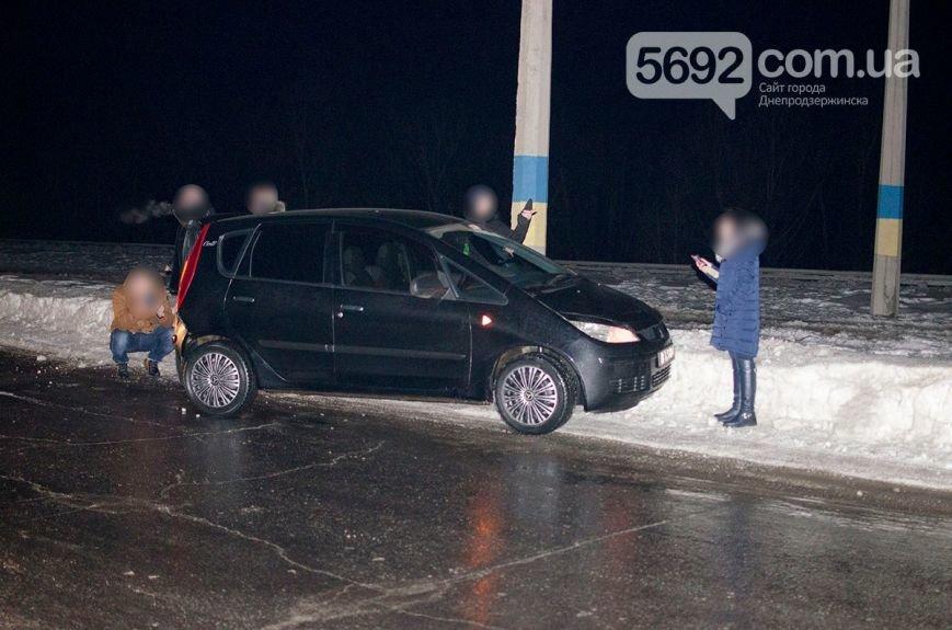 Массовое ДТП в Днепродзержинске: на левобережном мосту столкнулись 6 легковых авто и маршрутка (фото) - фото 8
