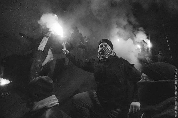 В Днепропетровске снесли памятник Петровскому (ФОТО, ВИДЕО), фото-6