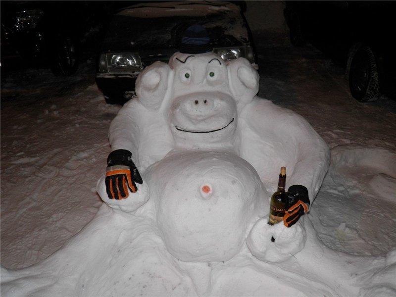 e99c316bdef90e2c7f57f3892d8b4bbe Одесские шутники вылепили обезьяну из снега