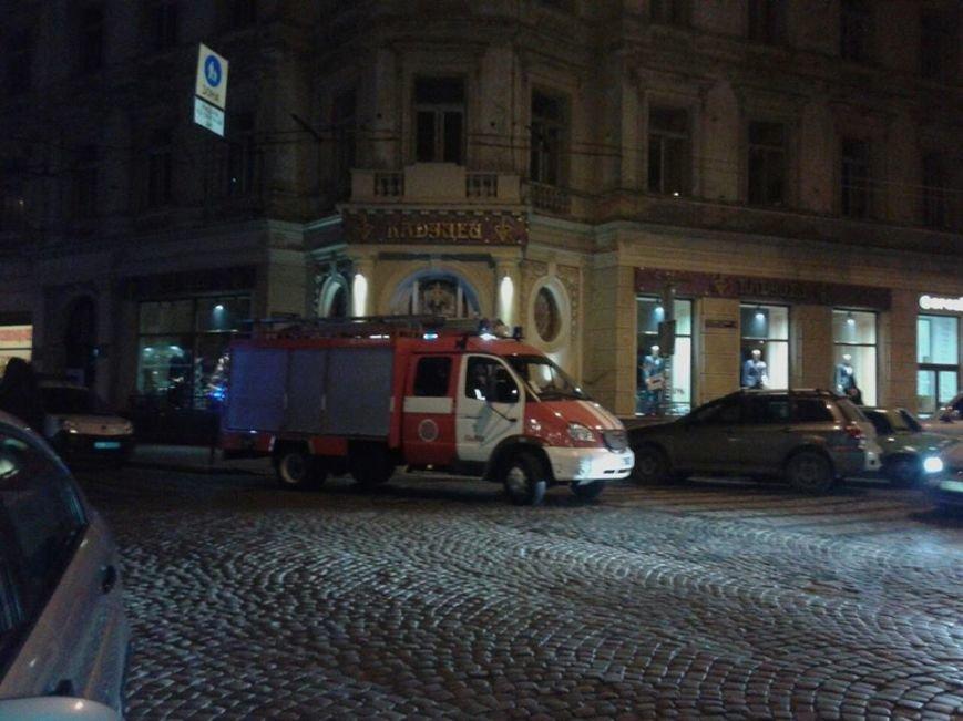 Невідомі повідомили, що у центрі Львова замінували ресторан (ФОТО), фото-1