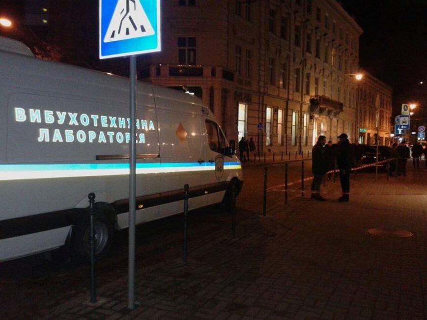 Невідомі повідомили, що у центрі Львова замінували ресторан (ФОТО), фото-2