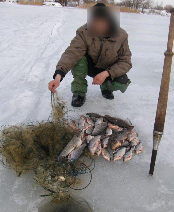 Кременчугские водные копы задержали двух браконьеров на двух водохранилищах (ФОТО) (фото) - фото 1