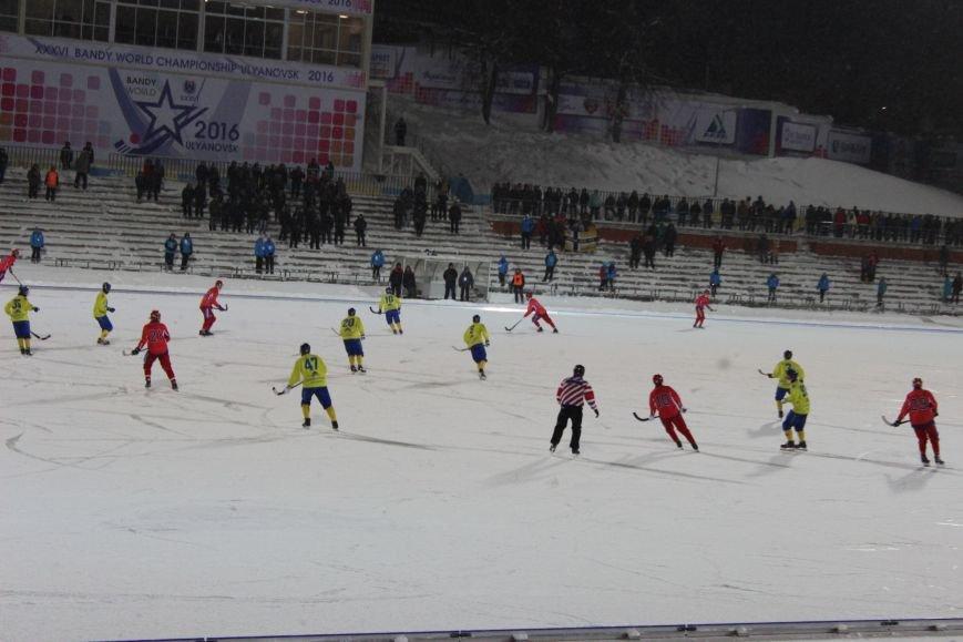 Российская сборная по хоккею с мячом размялась на ульяновской «Волге». ФОТО, фото-1