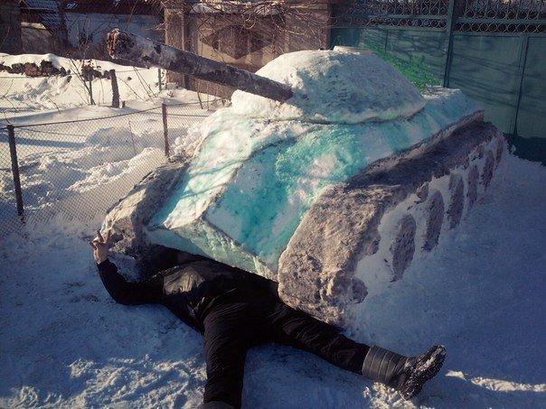 Николаевец построил танк из снега (ФОТОФАКТ) (фото) - фото 2