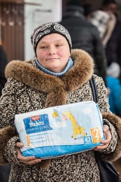 Авдеевцы получили гуманитарную помощь от «Крила щедрості та турботи» (ФОТОФАКТ) (фото) - фото 1