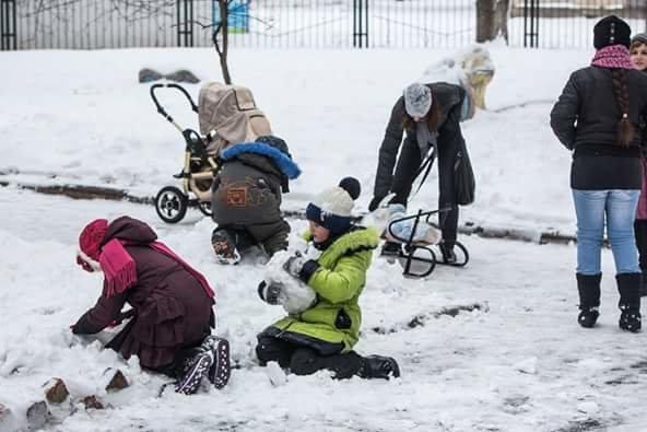 Авдеевцы получили гуманитарную помощь от «Крила щедрості та турботи» (ФОТОФАКТ), фото-1