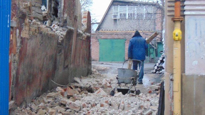 В центре Мариуполя начат демонтаж старинного дома (ФОТОФАКТ) (фото) - фото 1