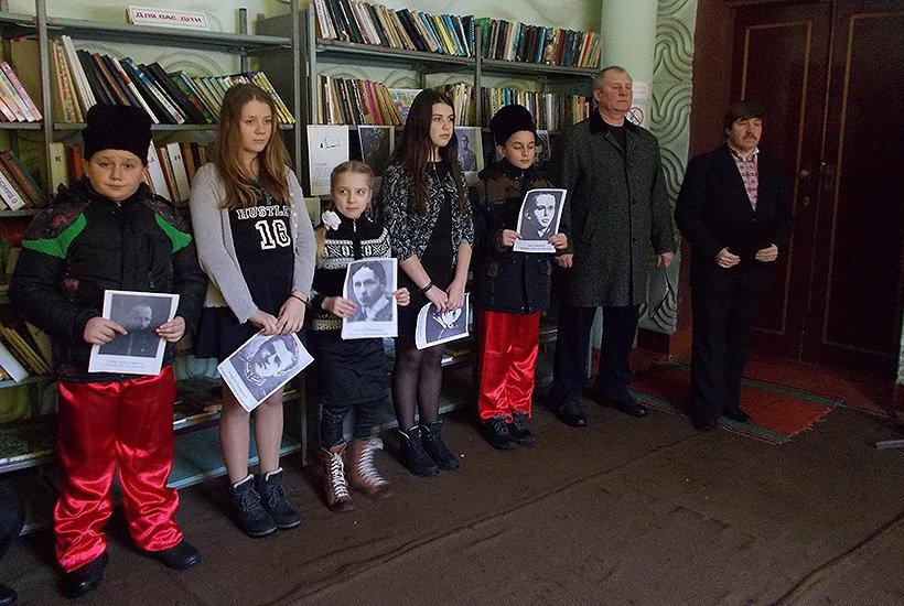 Бойцы Нацгвардии почтили память героев Крут в Славянском районе (фото) - фото 1