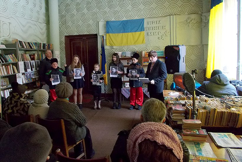 Бойцы Нацгвардии почтили память героев Крут в Славянском районе (фото) - фото 2
