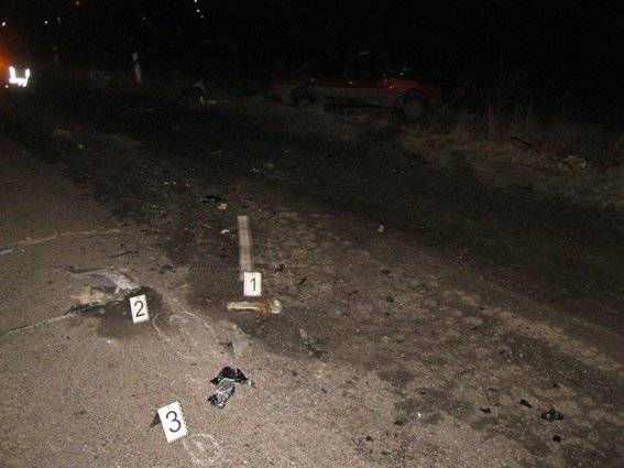 У ДТП на Франківщині загинула неповнолітня дівчинка та 35-річний чоловік (ФОТО) (фото) - фото 1