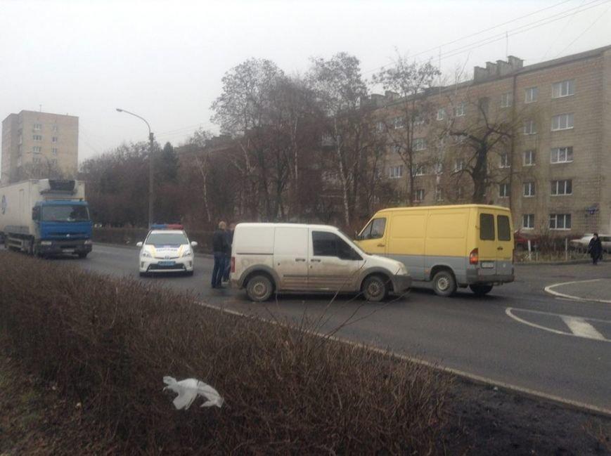 На Набережній не розминулися дві автівки (ФОТО), фото-1