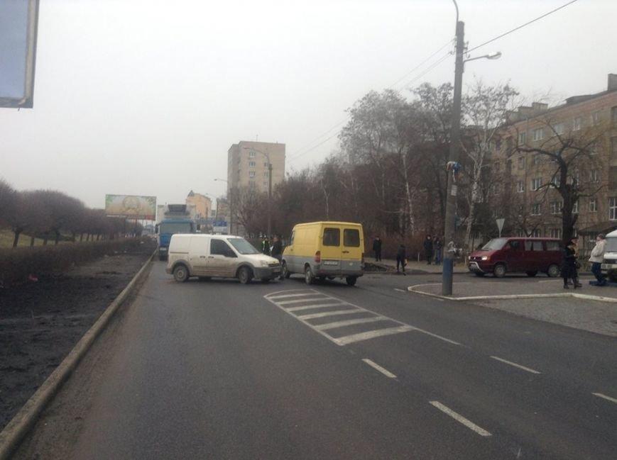 На Набережній не розминулися дві автівки (ФОТО), фото-3