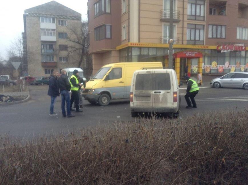 На Набережній не розминулися дві автівки (ФОТО), фото-4