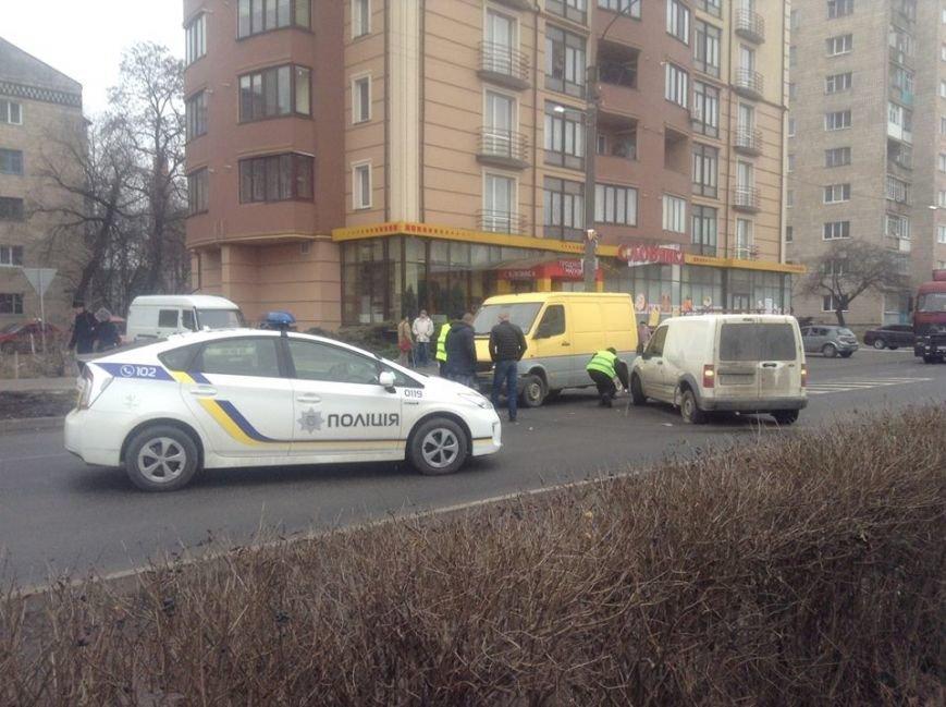 На Набережній не розминулися дві автівки (ФОТО), фото-2