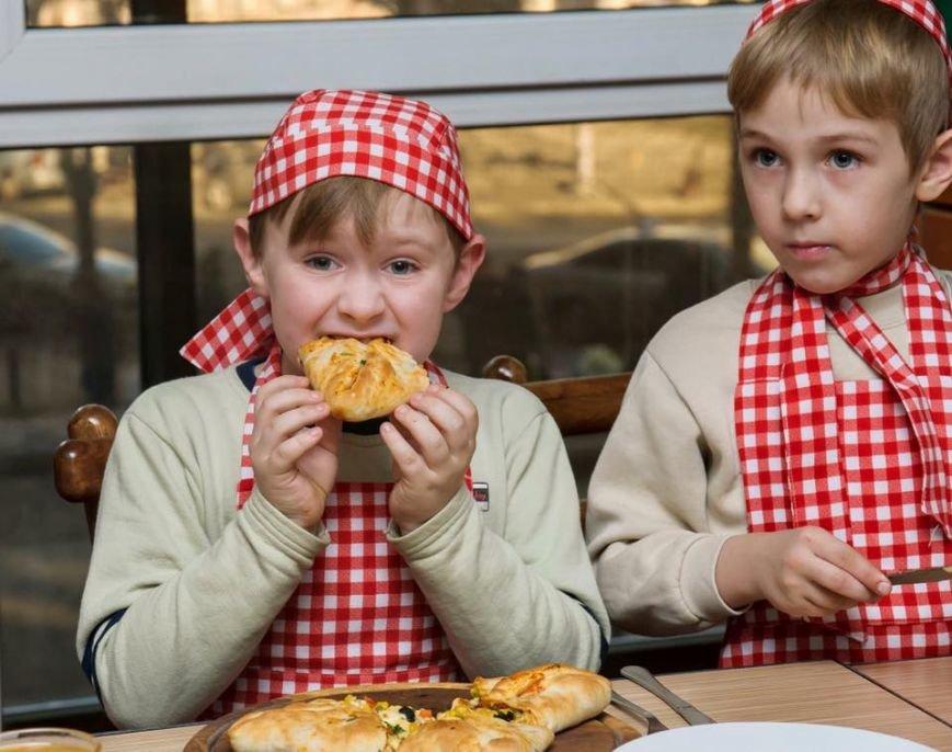 У Чернівцях для дітей бійців АТО провели майстер-клас з виготовлення піци, фото-6