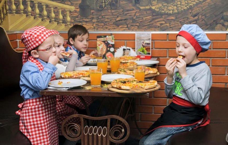 У Чернівцях для дітей бійців АТО провели майстер-клас з виготовлення піци, фото-1