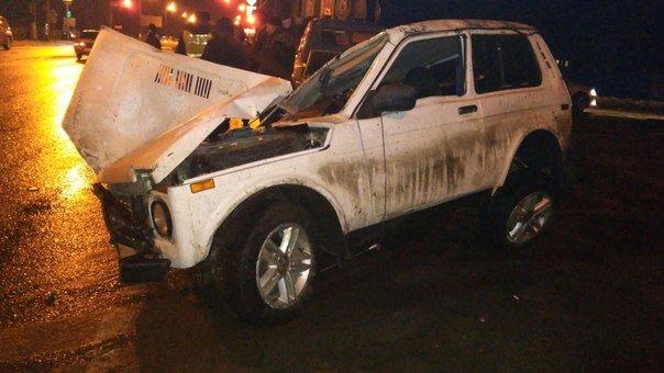 Вчера в Новошахтинске в районе Городской перевернулась Нива - водитель сбежал (фото) - фото 1