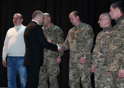 Черкаських воїнів АТО відзначили державними нагородами (СПИСОК, ФОТО) (фото) - фото 3