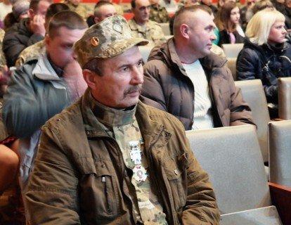 Черкаських воїнів АТО відзначили державними нагородами (СПИСОК, ФОТО) (фото) - фото 4