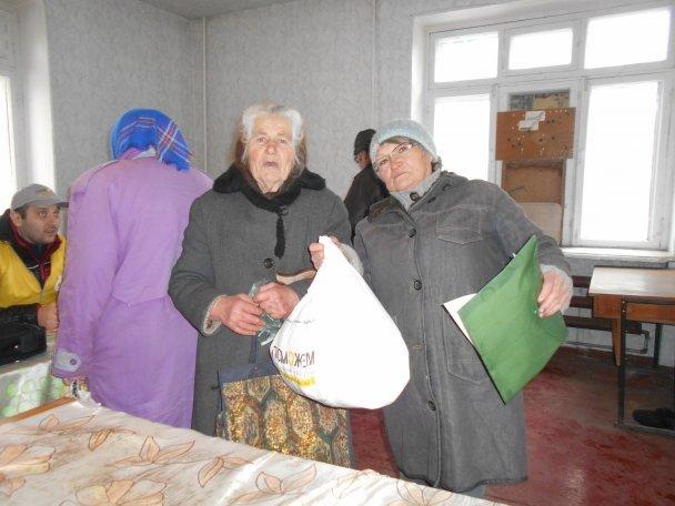 Штаб Ахметова продолжает помогать авдеевцам (ФОТОФАКТ), фото-6
