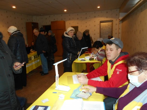 Штаб Ахметова продолжает помогать авдеевцам (ФОТОФАКТ), фото-2