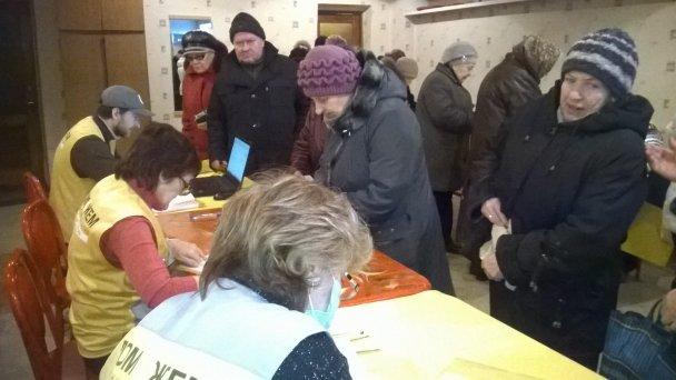Штаб Ахметова продолжает помогать авдеевцам (ФОТОФАКТ), фото-1