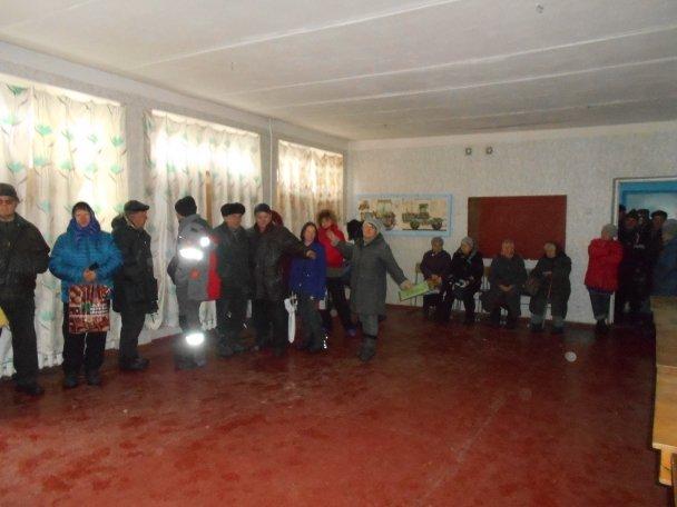 Штаб Ахметова продолжает помогать авдеевцам (ФОТОФАКТ), фото-9