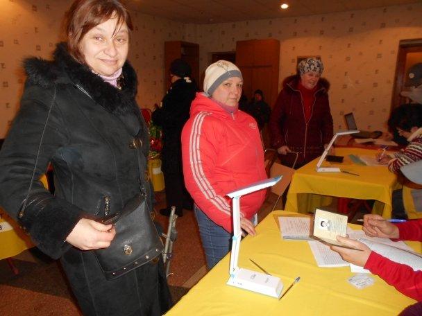 Штаб Ахметова продолжает помогать авдеевцам (ФОТОФАКТ), фото-14