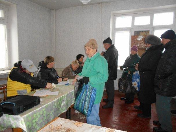 Штаб Ахметова продолжает помогать авдеевцам (ФОТОФАКТ), фото-5