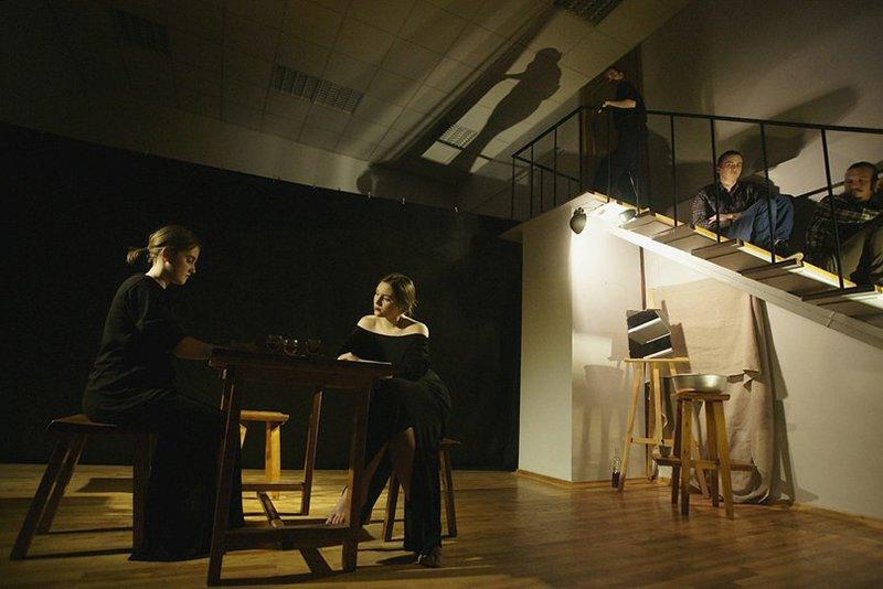 «Простить себя». Белгородский молодёжный театр «Спичка» собрал аншлаг на спектакле по творчеству Анны Ахматовой (фото) - фото 1
