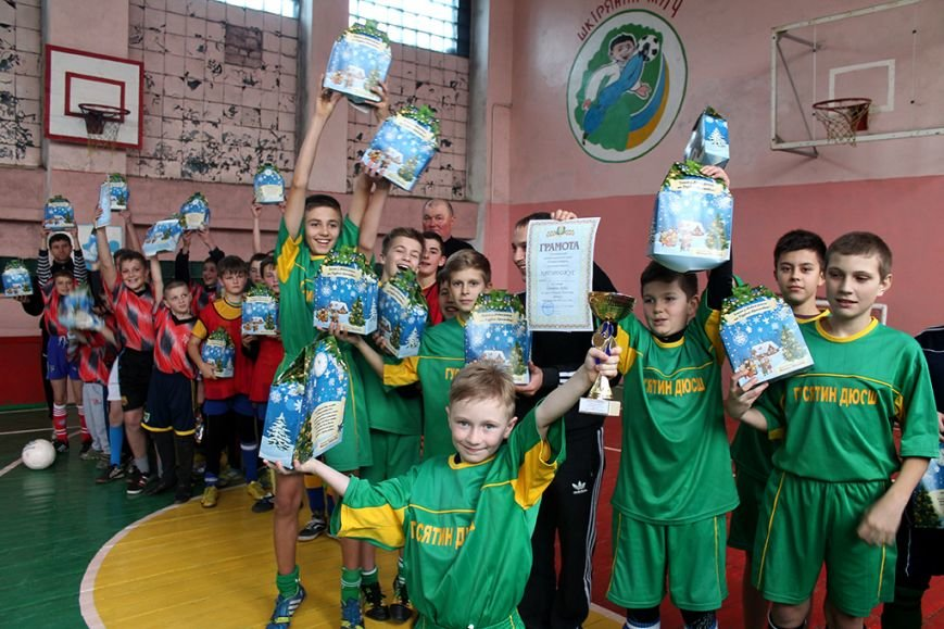 У Гусятині змагалися юні футболісти на призи від Миколи Люшняка (фото), фото-1