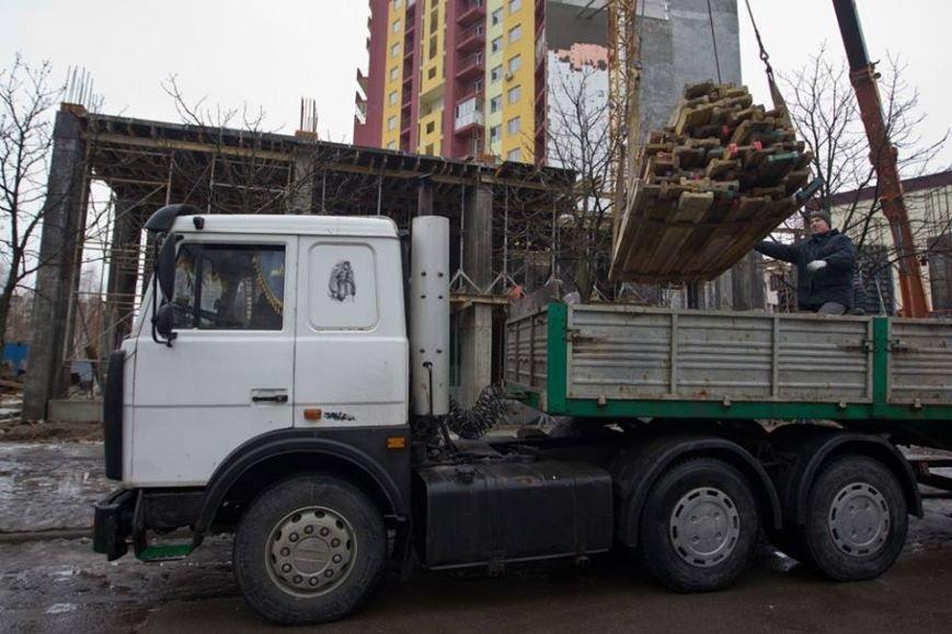 На Борщаговке демонтируют скандальную застройку (фото) - фото 1