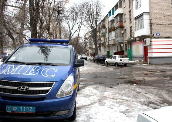 Полицейские Кременчуга узнали, что случилось с мужчиной, тело которого обнаружили вчера на улице (ФОТО) (фото) - фото 4