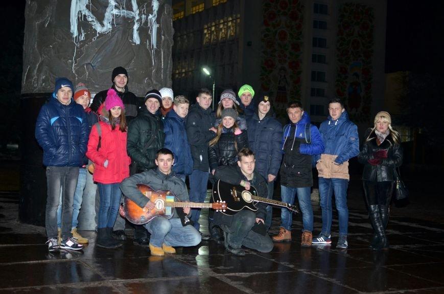 Год одиночества: в Днепродзержинске прошел вечер памяти Кузьмы Скрябина (фото) - фото 7
