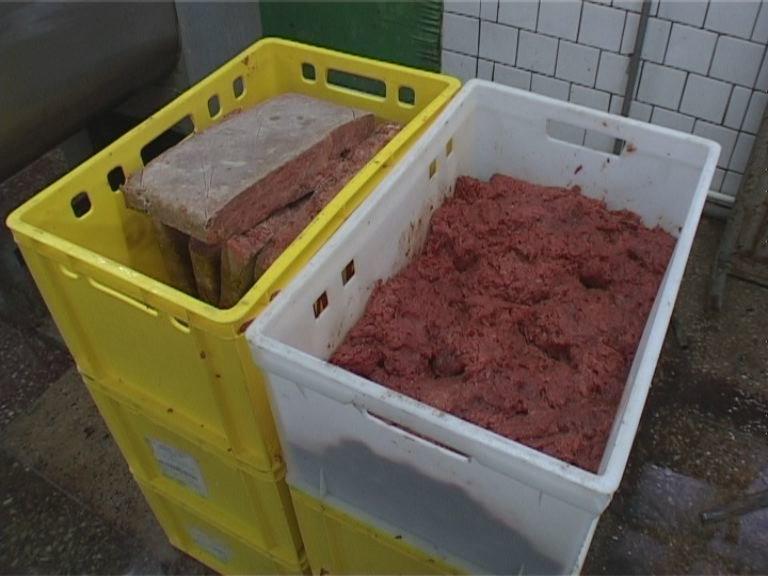 СБУ предотвратила реализацию в Днепропетровской области 23 тонн некачественного фарша (ФОТО) (фото) - фото 1