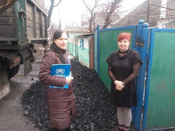 Первые семьи переселенцев получили уголь, фото-10