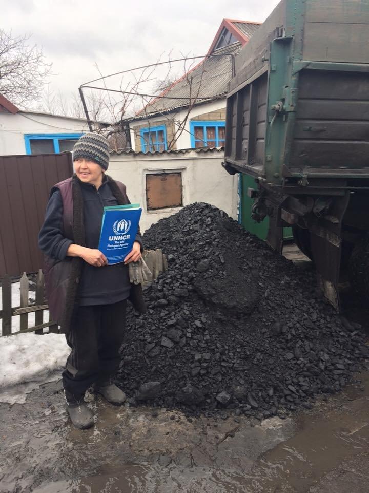Первые семьи переселенцев получили уголь (фото) - фото 1