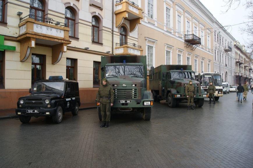 148a3378454ac6ca0e6704c2908ffba7 Одесситы пообещали депутатам горсовета не выпускать их из здания мэрии