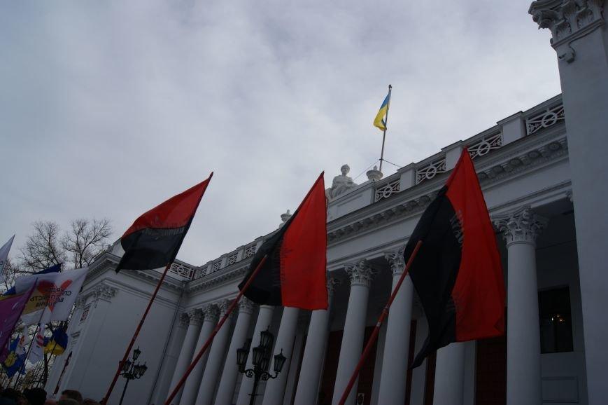 Одесситы пообещали депутатам горсовета не выпускать их из здания мэрии (ФОТО, ВИДЕО) (фото) - фото 1