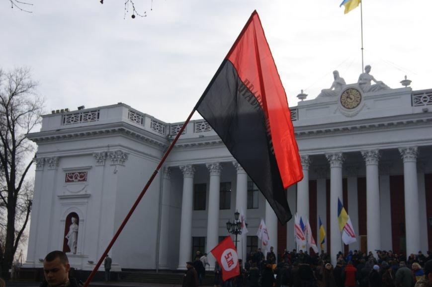 4b4a6af8479fdf0c315e8dc2a710641f Одесситы пообещали депутатам горсовета не выпускать их из здания мэрии