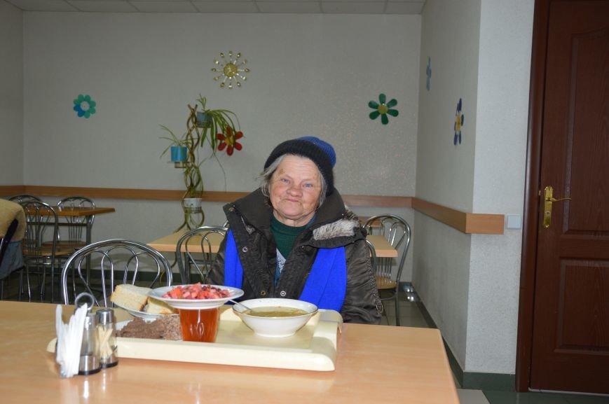 Социальные обеды в кафе «Ровесник» помогли выжить двум сотням авдеевцев (ФОТО), фото-8