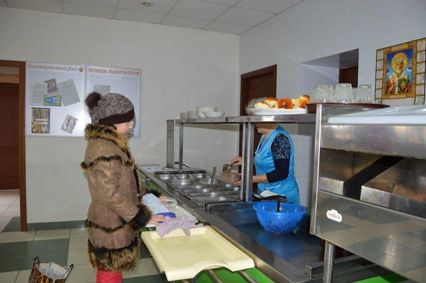 Социальные обеды в кафе «Ровесник» помогли выжить двум сотням авдеевцев (ФОТО), фото-6