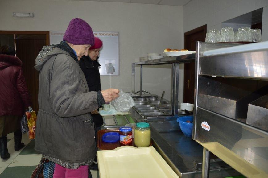 Социальные обеды в кафе «Ровесник» помогли выжить двум сотням авдеевцев (ФОТО), фото-3